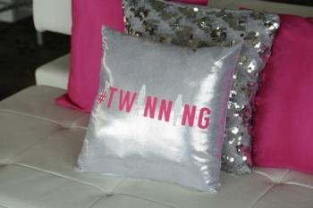 Twinning pillows